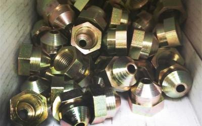 Цинкование металла в барабане и на подвеске
